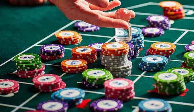 Why You Should Bet On The Roulette Table
