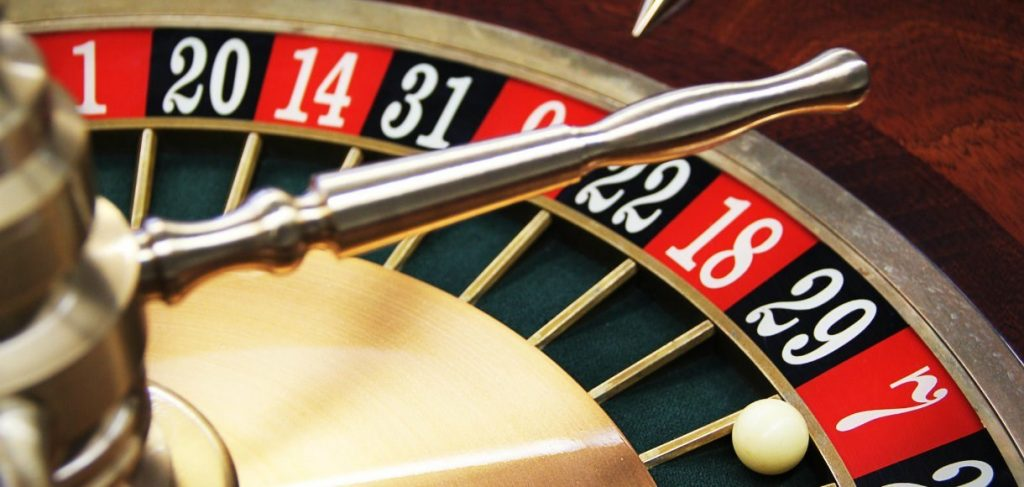 Roulette Strategies – Getting the Edge on the Odds by Playing Roulette at the Best Odds